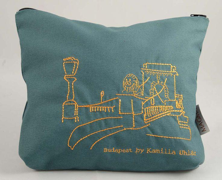 Vanity bag designed by Kamilla Uhlár http://www.magma.hu/muveszek.php?page=2 #budapest #chainbridge #hungariandesign #textile #vanitybag #hungarianartanddesign #magmagallery