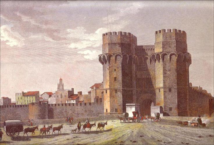 Valencia, Torres de Serranos antigua, con sus murallas.