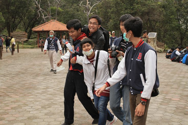 240412. My lifetime favourite candid #Bandung #FarewellParty #SHS