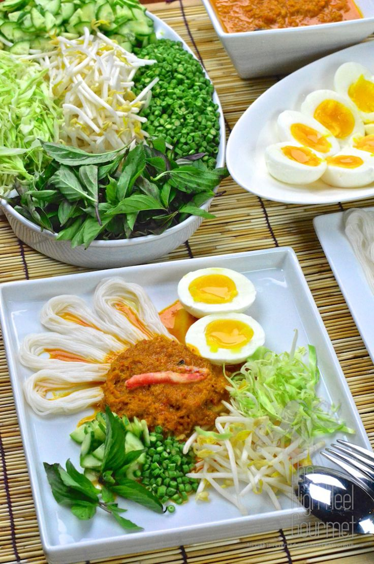 Southern Thai Rice Noodled Salad with Curry Sauce - Kanom Jeen Nam Ya Tai by The High Heel Gourmet 1 (2)