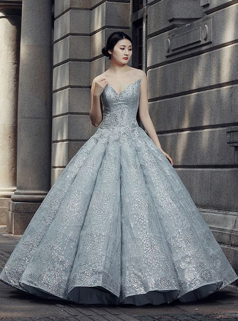 Grå Ball Gown Sweetheart Neckline Sequined Golvlängd Bröllopsklänning