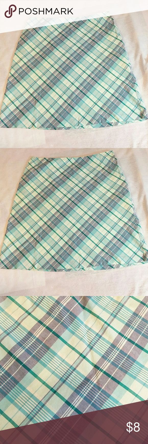 """American Eagle Outfitters 100% Cotton Skirt 2 Looking at an American Eagle Outfitters 109% Cotton Skirt, made in Philippines with side Zipper. Length~18.5"""" Waist~28"""" Please look at pictures and ask questions before buying. Thanks for looking. American Eagle Outfitters Skirts"""