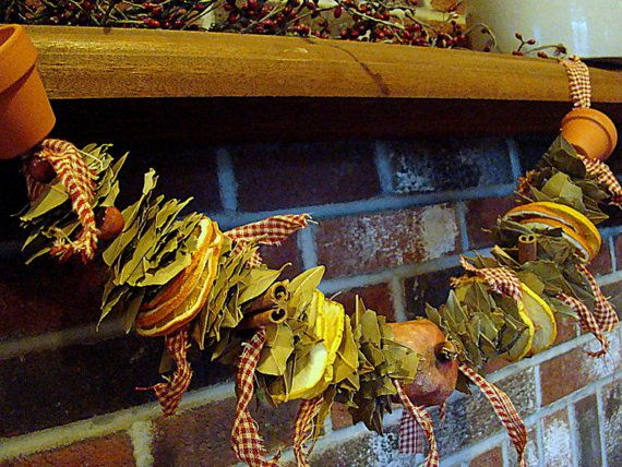 Fruit and Spice Garland, Holiday Garland, Look festive on your mantle or hanging in your kitchen. With a loop on each side for easy hanging.
