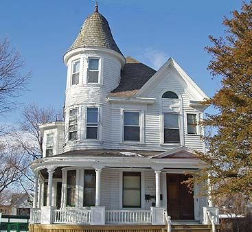 26 best houses victorian images on pinterest for Queen anne house plans with turrets