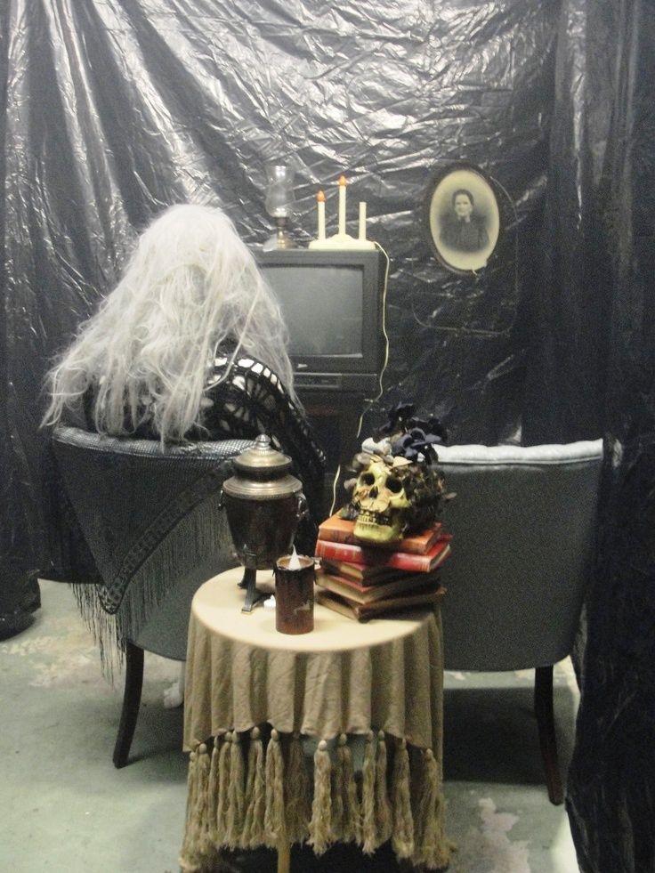 Halloween Haunted Garage Decorations Ideas