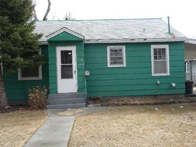 3 Bedroom House Billings Mt Rentals 3 Bedroom House Remodeled New Roof And Exterior Paint Pets Negotiable Rent Renting A House Exterior Paint House