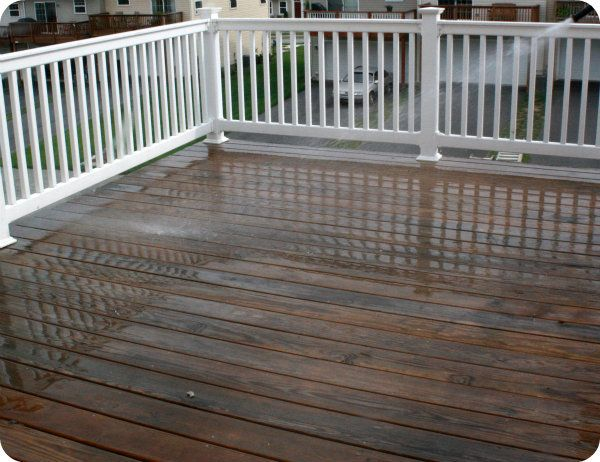 Thompson s waterseal deck house semi transparent latex for Staining trex decking