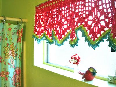 Colorful valance by Once Upon A Pink Moon. ♥ Pattern here http://www.ravelry.com/patterns/library/valance-2: Crochet Fun, Cute Crochet, Crochet Ideas, Crochet Curtains, Crochet Projects, Crochet Valances, Pink Moon, Christmas Color, Window Valances