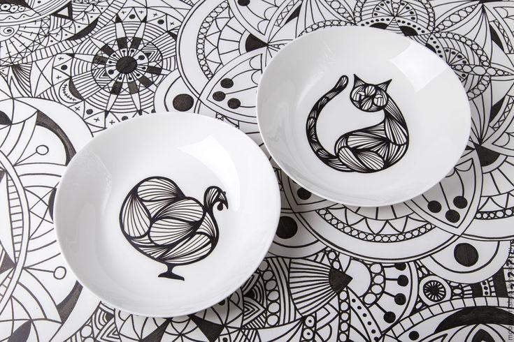 Купить Индюк и кошка - чёрно-белый, Роспись по стеклу, роспись по тарелке, рисунок на заказ