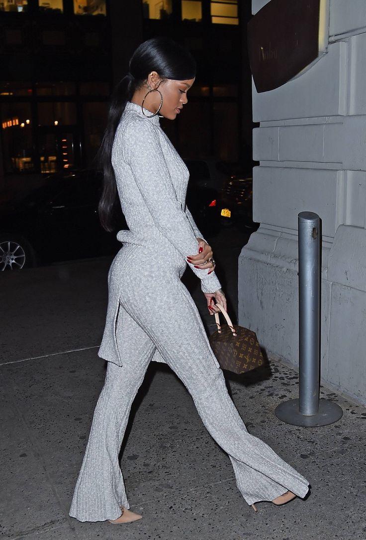"November 3: Rihanna dines at ""Nobu"" restaurant in New York"