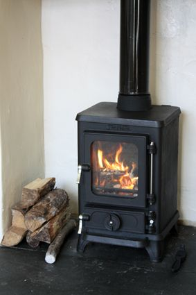 The hobbit small multi fuel cast iron stove seen for Most efficient small wood burning stove