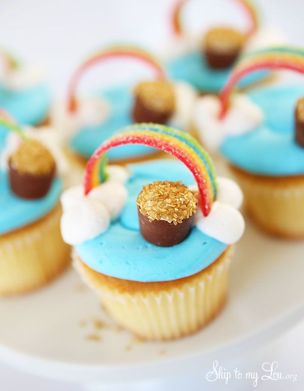 These rainbow cupcakes with a pot of gold are the perfect St Patrick's Day cupcakes! Whip them up for a fun holiday treat.