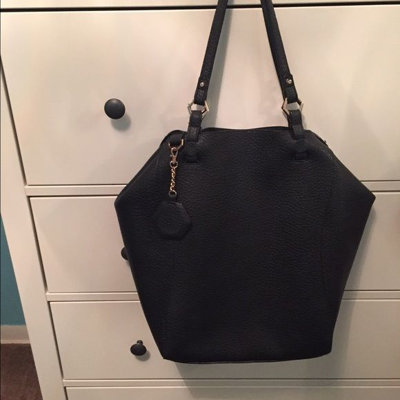 Topshop Tote Really good condition. From Topshop. No noticeable flaws. No trades ❌ Open to reasonable offers! Topshop Bags Totes