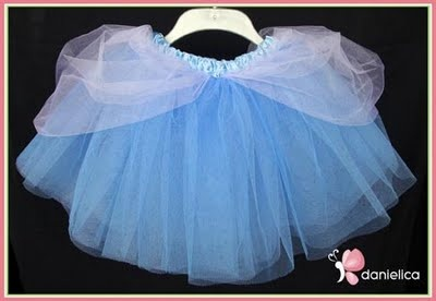 Cinderella Tutu.... I want to make one!!! Ok, maybe a little bit different. But are there any takers??? Or maybe I will just make one for L to wear to disneyland.
