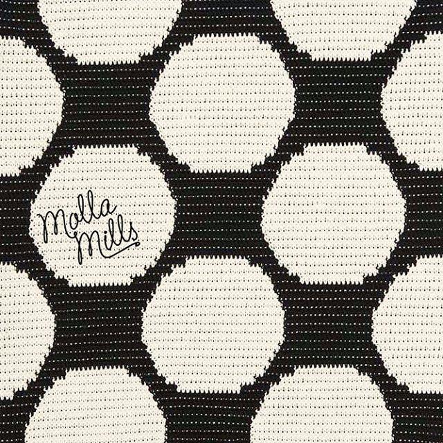 Dots II from #virkkuri 2. #makingofvirkkuribooks #mollamillscrochetterie #dots #crochet #crochetallthethings