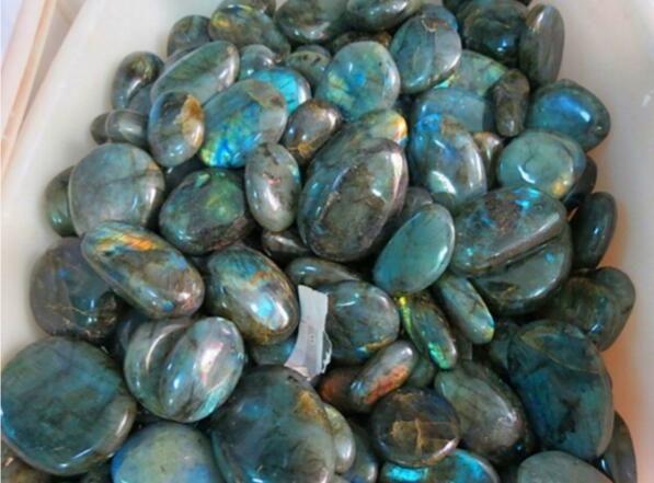 Wholesale Natural crystal labradorite nunatak stone grey moonlight shining moonstone luo dan stone jewelry 40g-60g