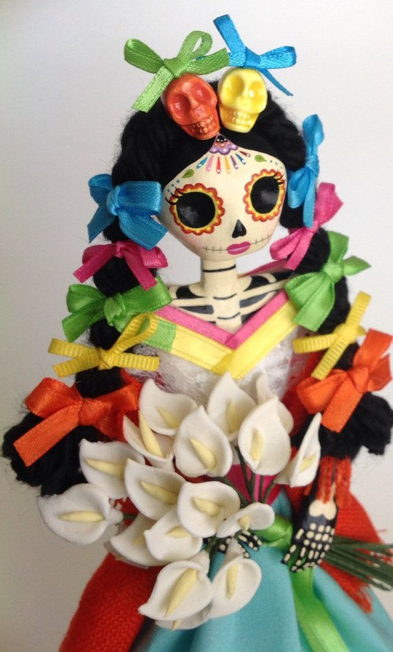 Colorful Catrina Doll. Paper Mache Catrina doll. por LaCasaRoja