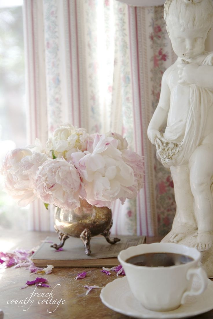 French cottage decor living room - Shabby