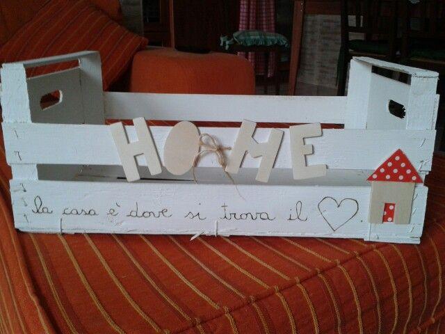 Cassetta con lettere di legno