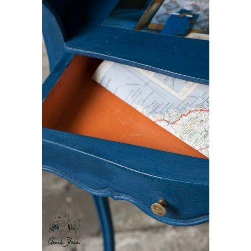 Eeen geweldig mooie nieuwe kleur van Annie Sloan Napoleonic Blue