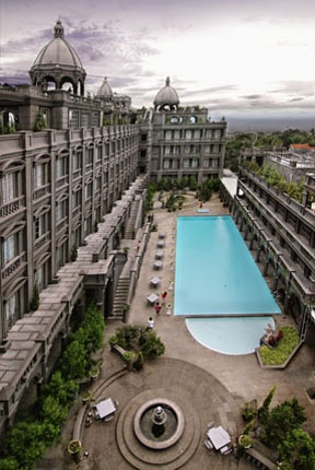 GH Universal Hotel in Bandung - totally ostentatious, but gorgeous