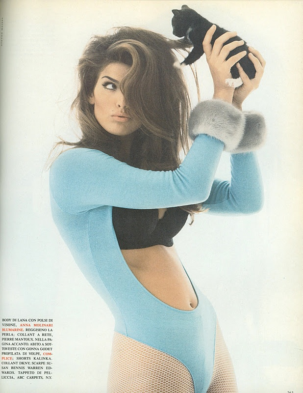 Playin' around with Cindy Crawford. Werk it, girl! (that bod! that hair! that mole! to die for.)