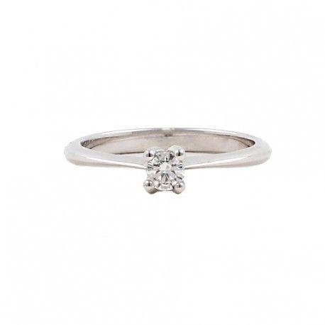 <3 Qué ilusión! Ideal como anillo de compromiso! Este anillo está hecho en oro blanco de 18 kilates con un diamante de 0,18kts. alicante joyeria marga mira | anillos de compromiso diamante | anillos de compromiso precio | anillos de compromiso alicante | anillos de compromiso oro blanco | joyeriamargamira.com/content/10-anillos-compromiso-alicante | #joyerias #alicante #anillos #wedding #ring #gold #oro #alacant #costablanca #jewellery #diamonds #style #luxury # bodas | https://goo.gl/B7Svro