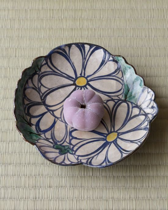Japanese Sweets on Chrysanthemum Plate by Ogata Kenzan 菊花餅/川端道喜・色絵菊皿/尾形乾山