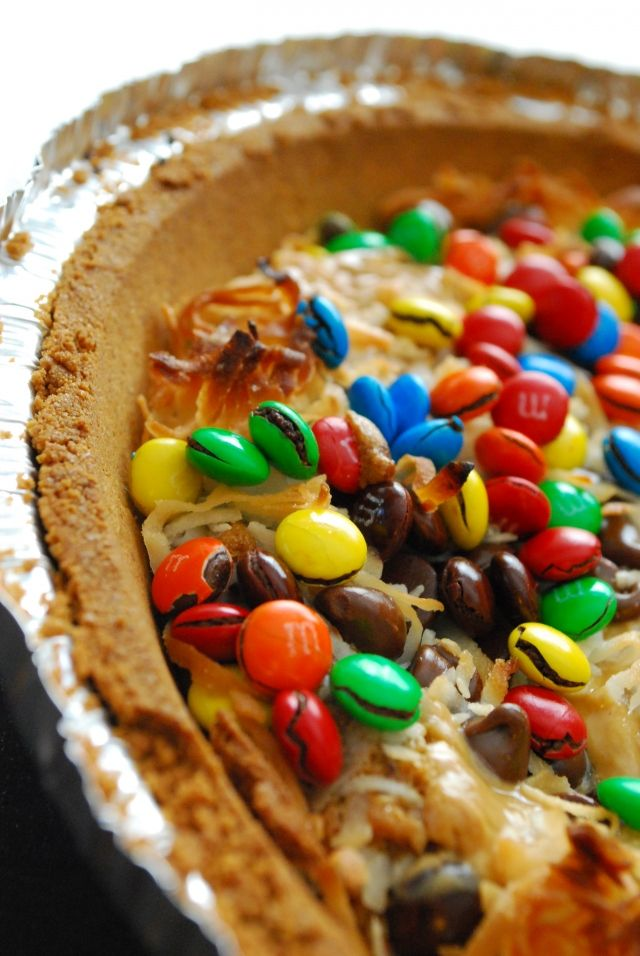 Monster Magic Cookie Dough Pie: graham cracker crust, store bought cookie dough! Easy and fun for kids!