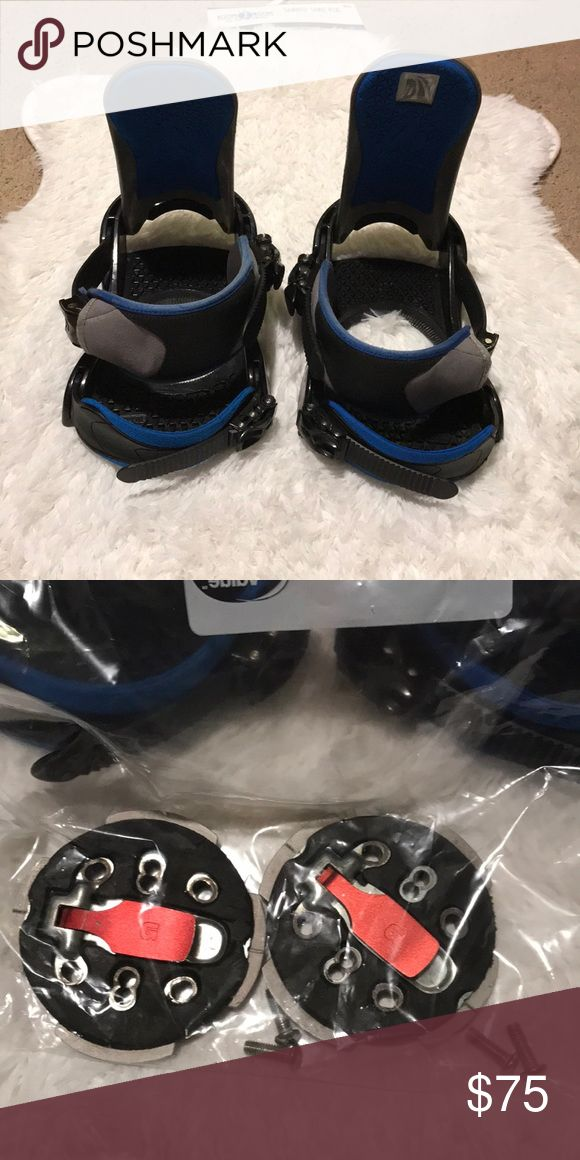 Burton custom bindings Fit up to a men's boot size 9.5 Screws included.  Bin 1 Burton Other