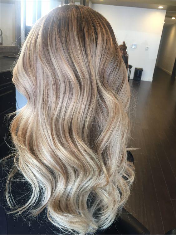 22+ wunderschöne Frisuren für blondes Haar