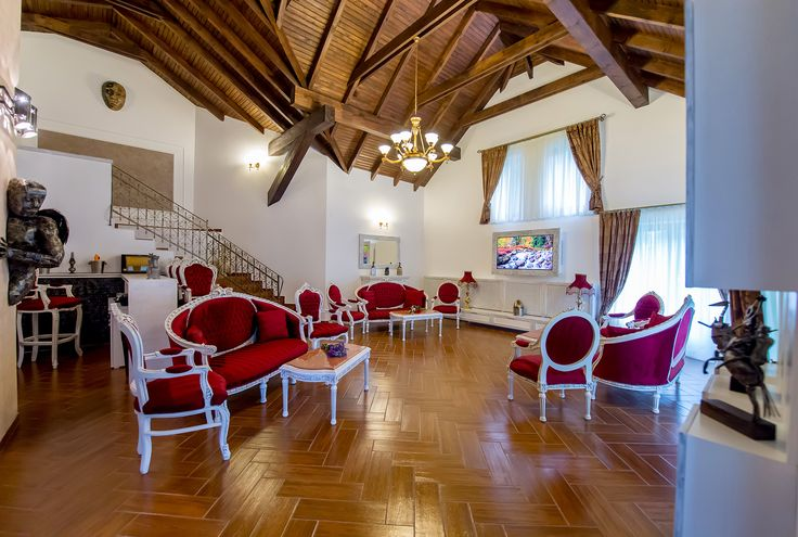 Villa PRINCESS OF TRANSYLVANIA was inaugurated in 2015, is located in SINAIA and has a wide view of the entire massive Bucegi-from Cota 2000 to Cross Caraiman.