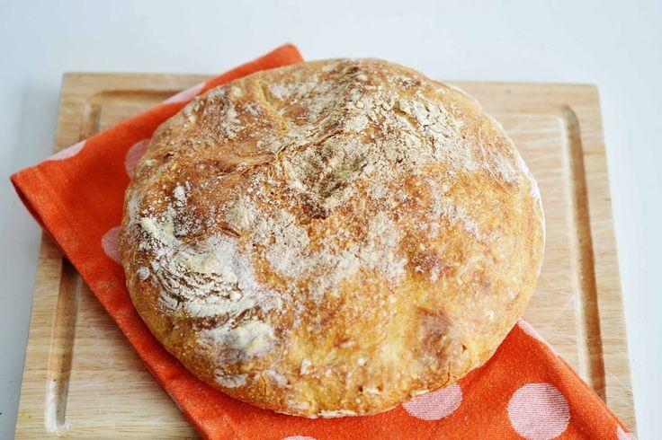 *Squeaky Swing: Hausgemachtes Brot im Gusseisentopf: Weissbrot