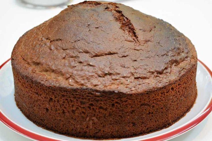 El clásico bizcocho de chocolate llega a Postres Caseros para alegraros el día…
