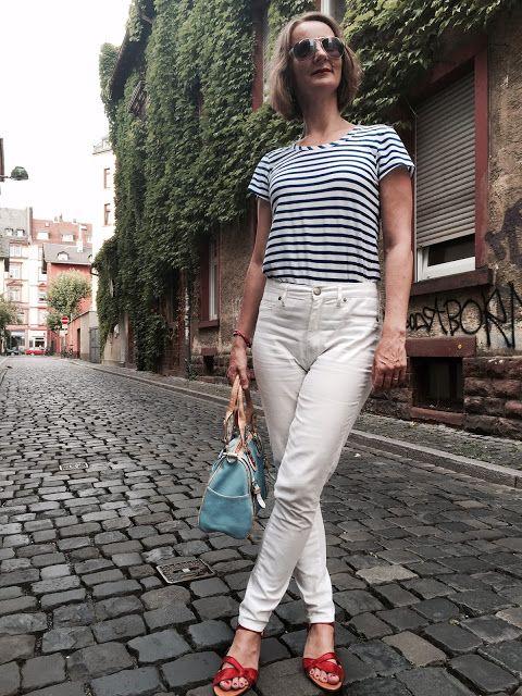 Oceanblue Style : le grand bleu // blaues ringelshirt und weiße jeans mit hohem bund