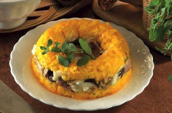 Anello di riso con pollo e mozzarella - La ricetta di Buonissimo