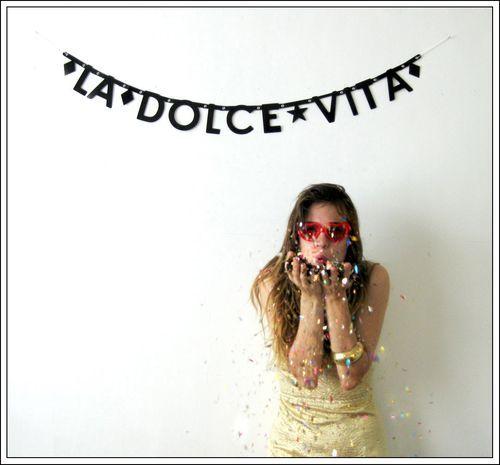 La Dolce Vita wall decor for italian party