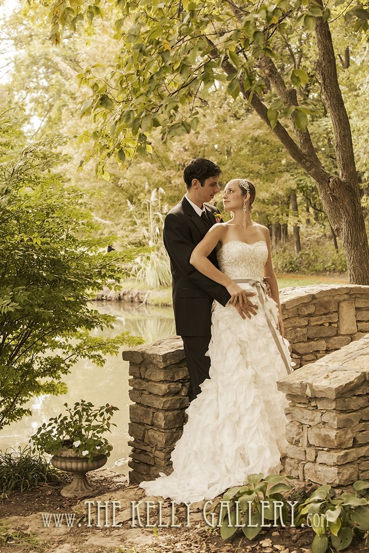 The Kelly Gallery - Outdoor Wedding Venue - Kansas City - English Gardens - 913.897.7340 http://thekellygallery.com