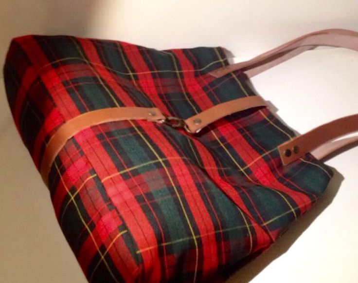 Tartan and leather bag. Hand Made in Italy.