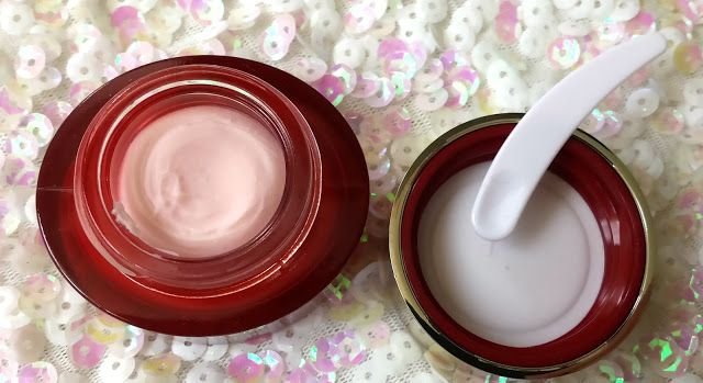 CLARINS Instant Smooth Perfecting Touch - Review | Color Me with Beauty