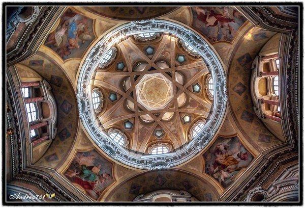 #SanLorenzo #architecture #torino #italy @italiadasogno @turismotorino @visitorcity @TurinItalyGuide @BeautyfromItaly @twitorino @ARTEit https://t.co/pKOIYGaBRS