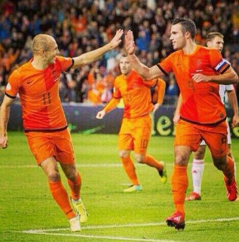 Het Nederlands elftal heeft super gespeeld tegen Spanje. Gewonnen met 5-1. 13-06-2014.
