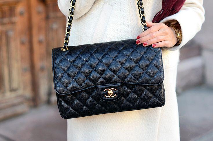 CHANEL Jumbo Flap Bag Caviar Leather