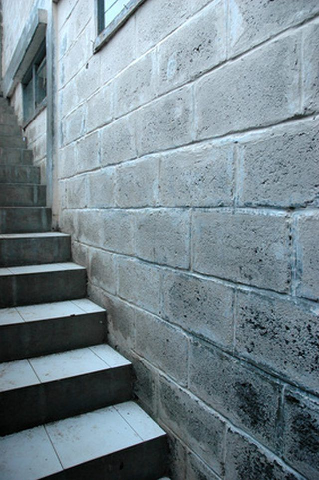Best 25 concrete basement walls ideas on pinterest for Concrete block basement