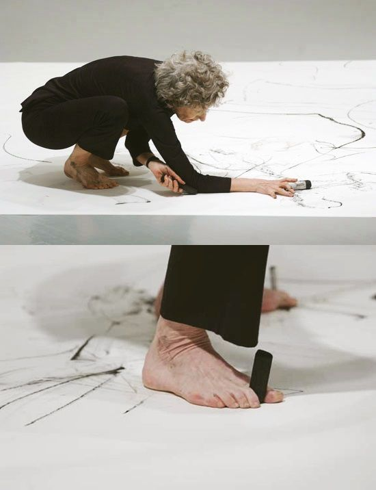 Trisha Brown creating a performative drawing, Philadelphia Museum of Art, 2003. Courtesy Trisha Brown Dance Company