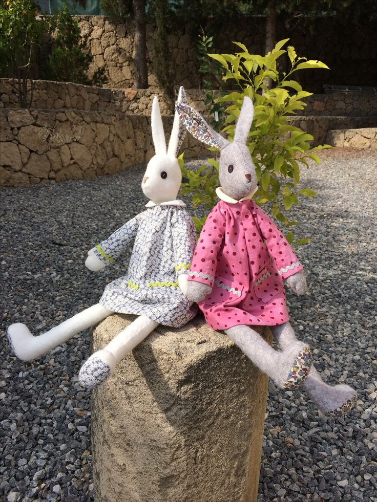 Two lovely Luna's from Sharon Kennedy Sharon Kennedy's dotty dressed Luna #lunasbirthdaycompetition #lovelunalapin #coolcrafting