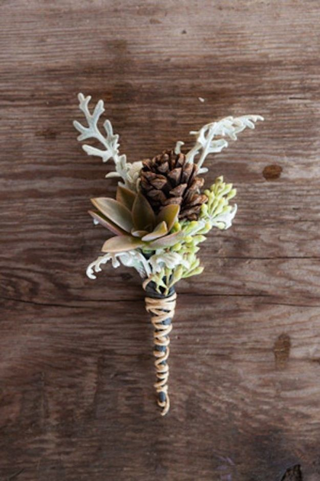 Here are 21 ideas to make flower arrangements with pine-cones. This can be a perfecf groom's flower