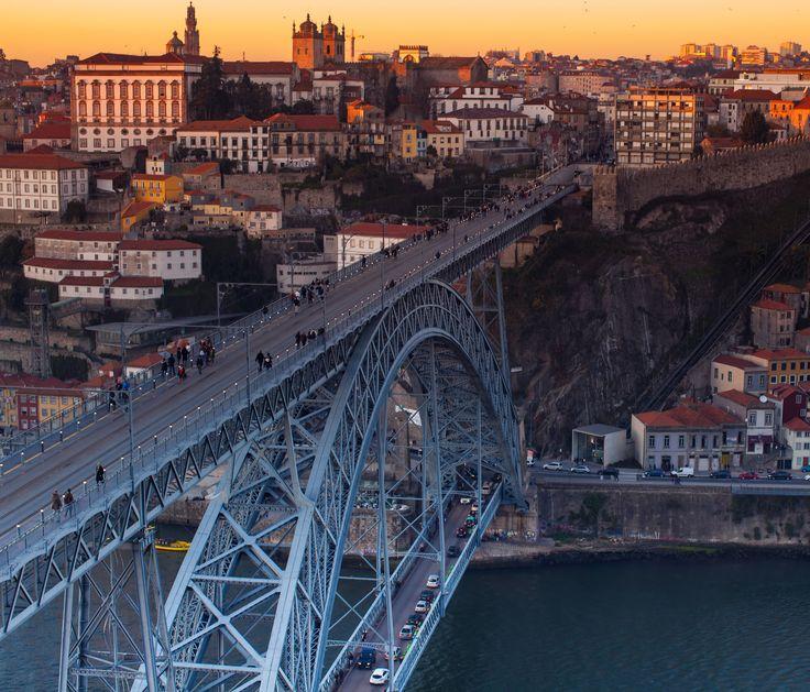 The Eiffel bridge in Porto at sunset