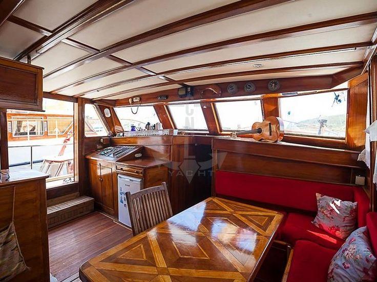 CEYDA 2   CNL Yacht