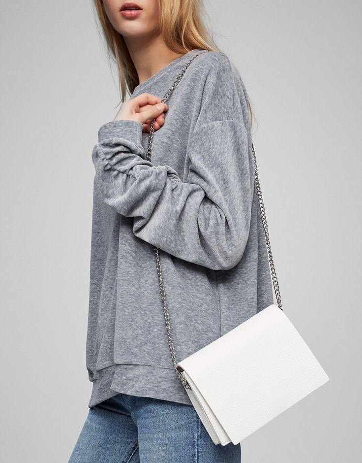 Witte schoudertas met schakels - Tassen - Accessoires - Dames - PULL&BEAR Netherlands